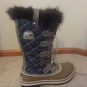 Sorel women's tall snow boots